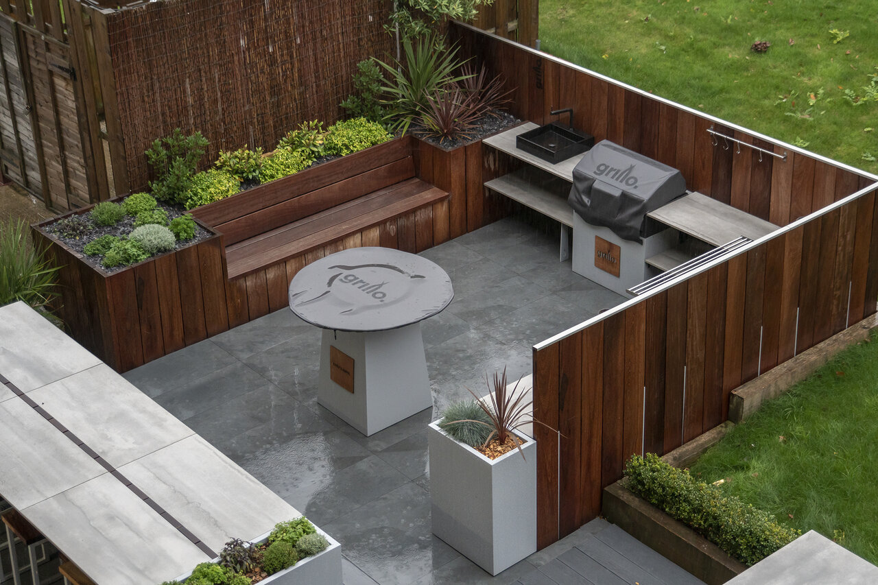 Grillo outdoor kitchen bench and anvil in the rain