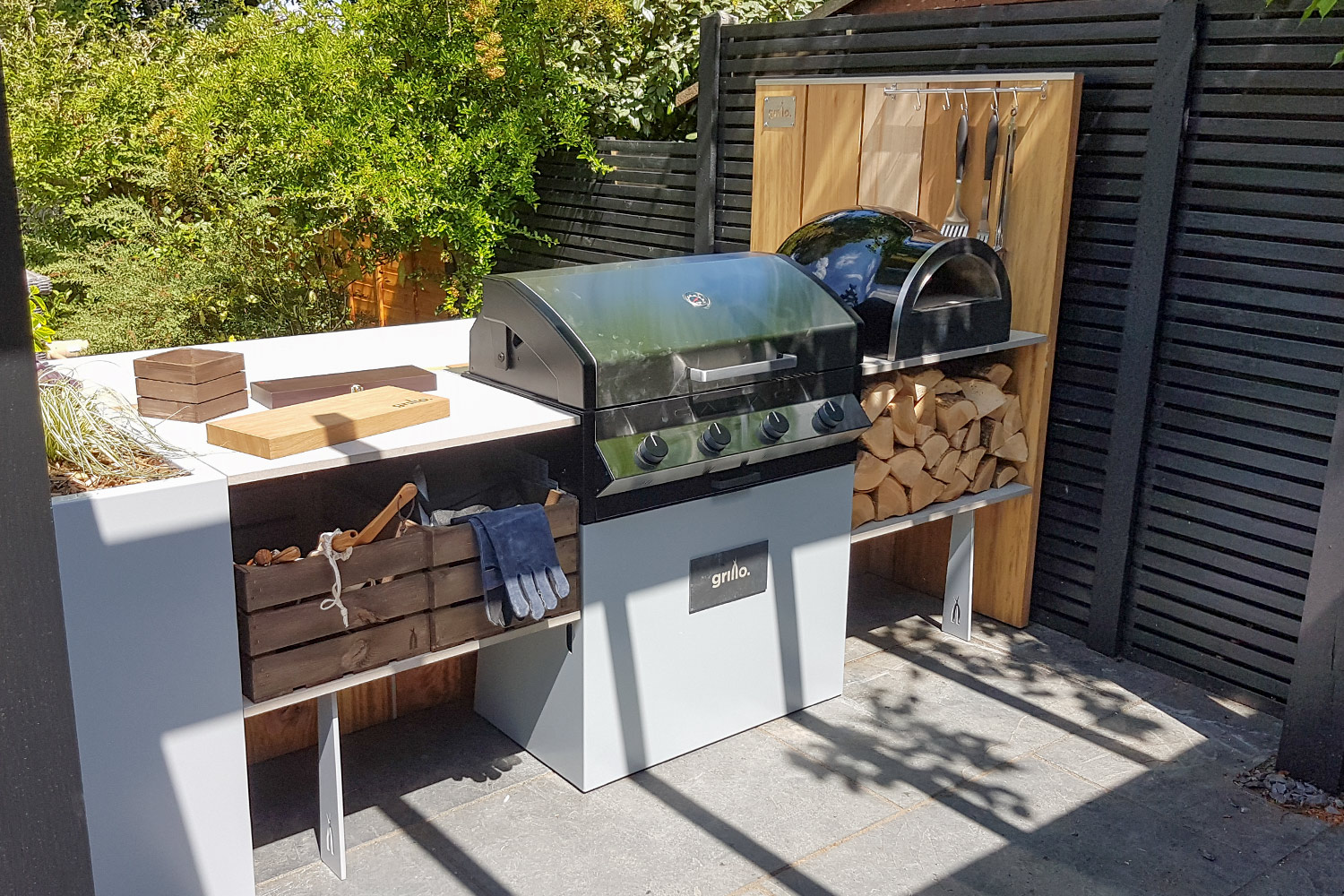 front view of Grillo island gas BBQ pizza oven