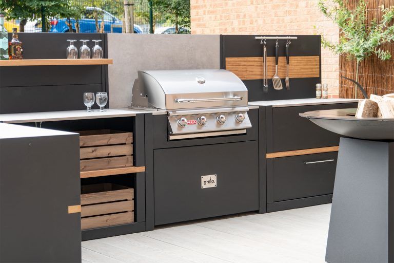 built In bbq black Carbon Steel Vantage Kitchen with Bull gas barbeque