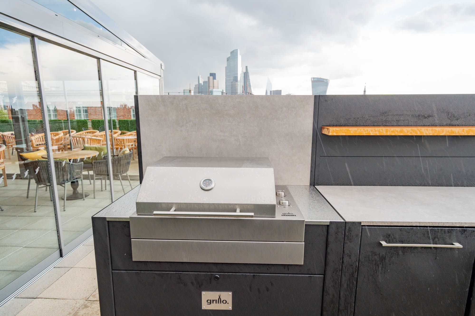 Voltiq Electric BBQ Vantage Roof Top Terrace London electric grills for roof terraces