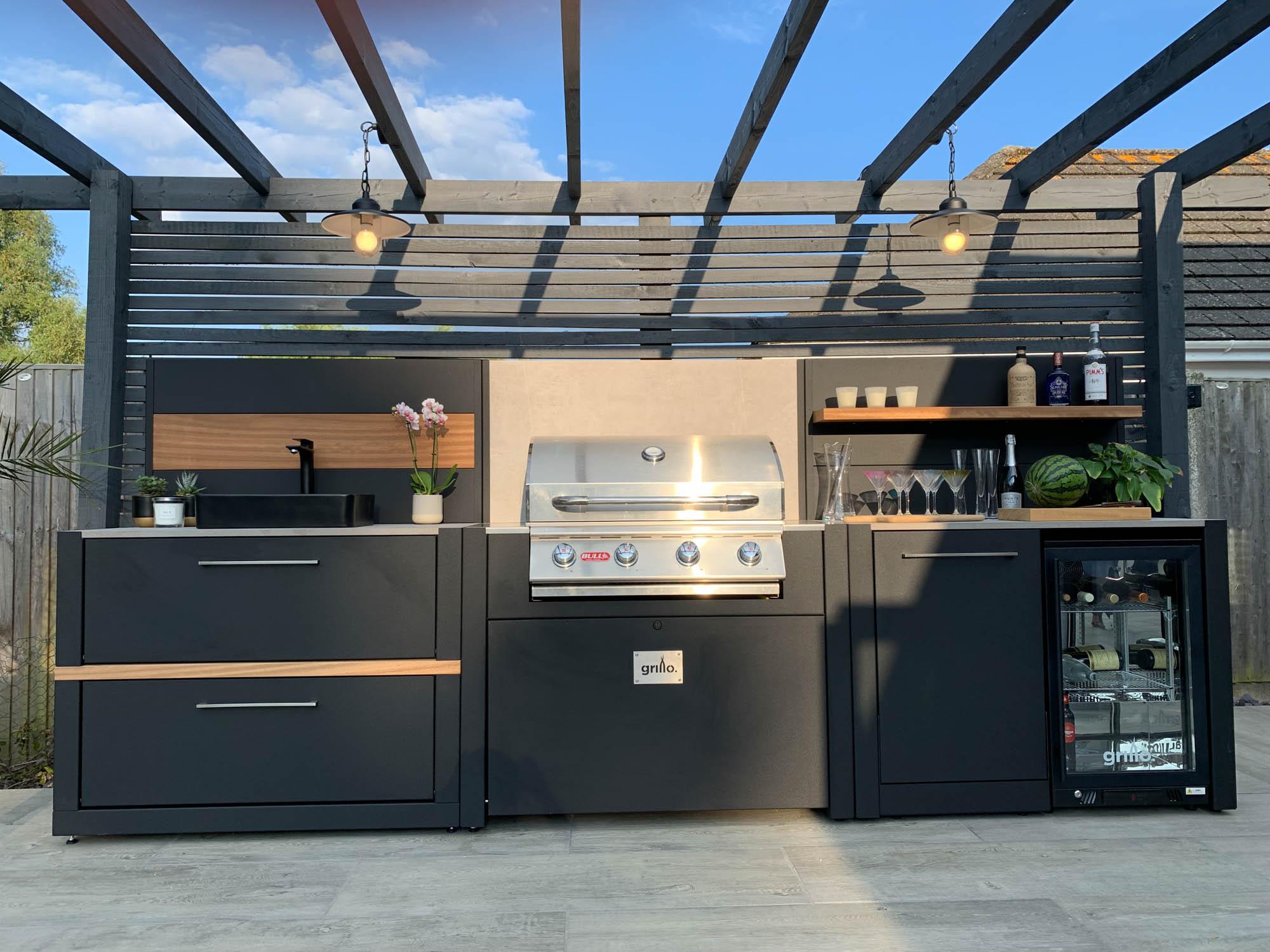 Competition project Horsham straight vantage gas bbq fridge