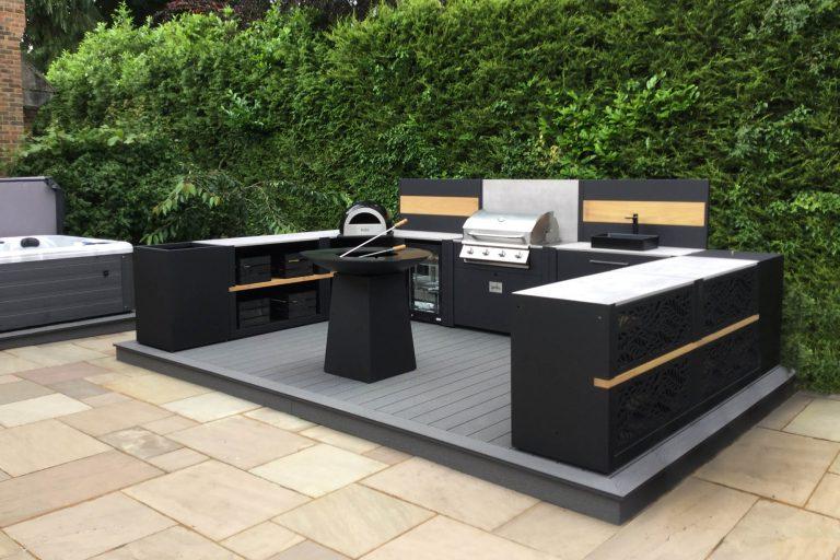 Outdoor kitchen design Outdoor kitchen design U Shape Vantage Anvil Surrey Pizza